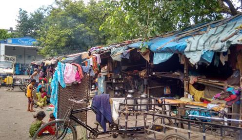 Street dwelling families in Ward 26, Kolkata